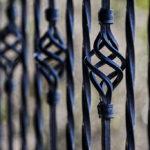 Nowoczesne ogrodzenia dla domu ma istotność na zabezpieczenie